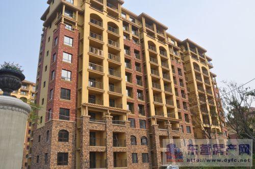 东城原香小镇10楼90平 精装修 满两年