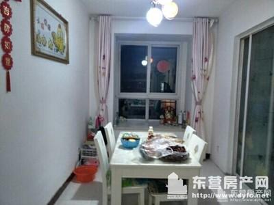 安泰南区四楼128平,带家具,3台空调,厨具全,租2.4万/年