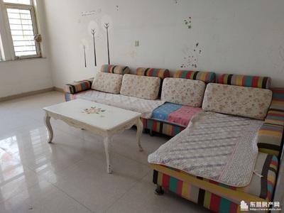 出租绿洲国际6楼 中等装修 带家具部分家电 储藏室8平