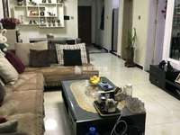 东营区东城中央豪庭18楼96平精装修,房主换房急售。