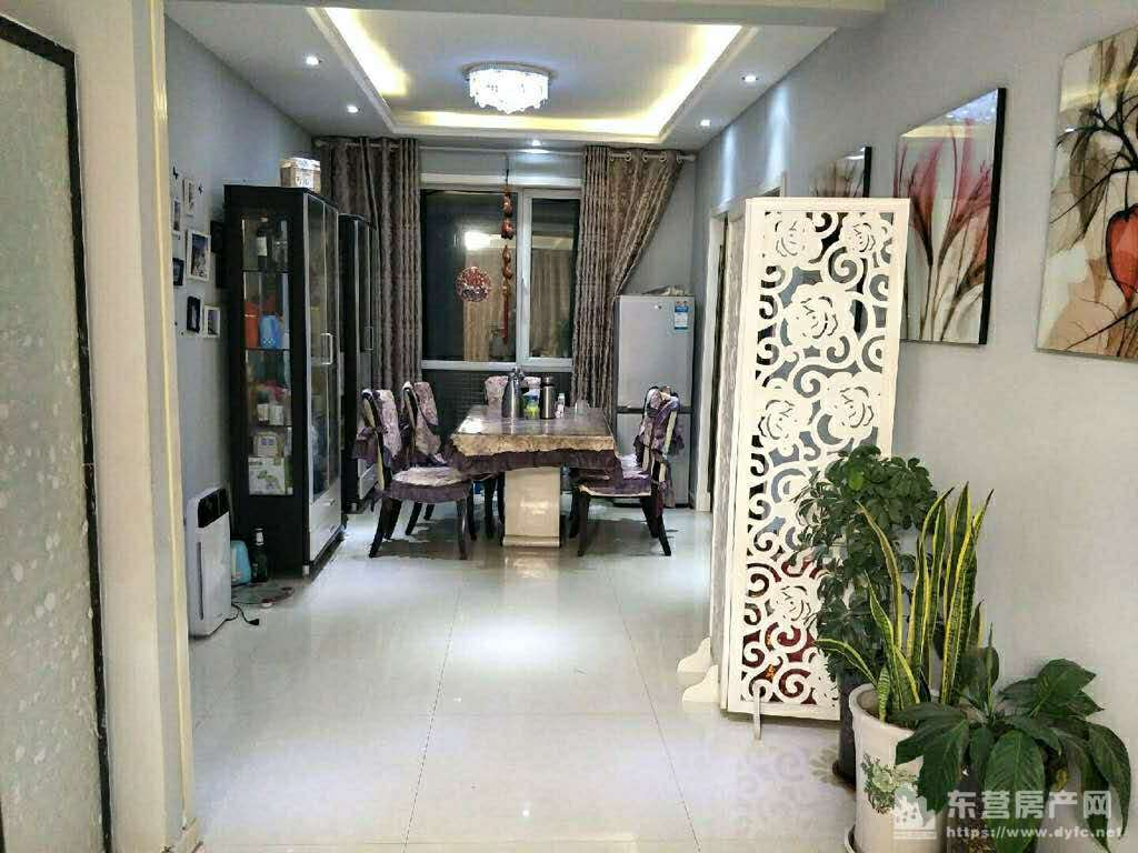 格林星城一楼带家具精装如图