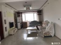 大海鑫庄国际4楼3室2厅2卫精装带家具,车位月租金2300左右