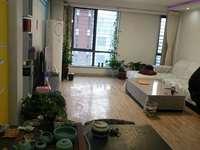 凤凰国际4楼110平,带26平车库,3室,精装修几乎没住,证满2年,88万