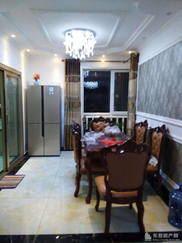 东城格林星城10楼143平3室2厅2卫带车卫带地下室急售160万