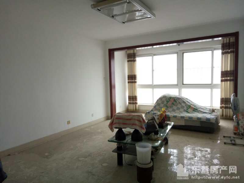 东城海通骏景7楼125平3室2厅1卫带地下室车位95万
