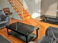 东城阳光一百85平2楼拎包入住两室两厅两卫沙发茶几床等