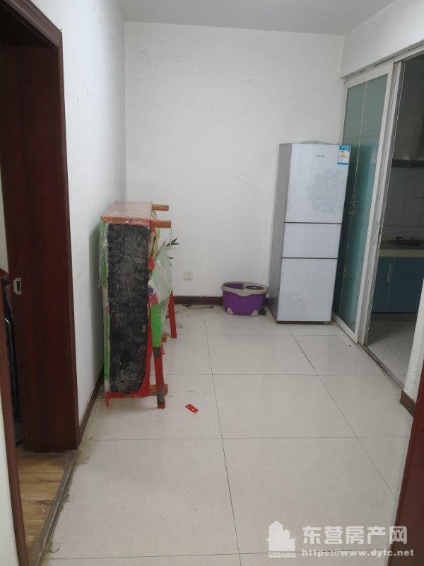 锦华一区2楼93平米带地下室15平米中装拎包入住