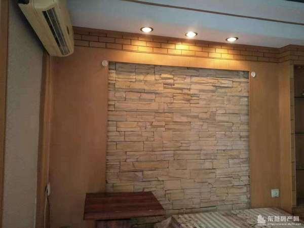 钻井四公司院内白云小区3楼61平家具家电全年租金8000元