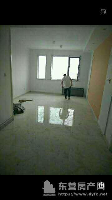 凤凰国际城90平米一楼带院30平米首次出租