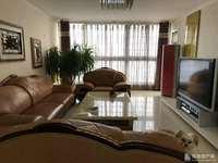 金瀚家园2楼精装房168平4室2厅2卫3阳台,带35平车库15平地下室证满5年。