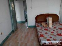 燕青小区三室一厅年租金1万元