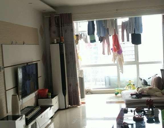 东城蓝天小区精装六楼102平米三室两厅带地下室22平米售96万