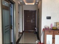 急售东城中央豪庭精装96平7楼2室2厅75万