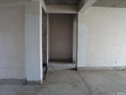 急售科教小区5 6复式 236平 69.8万急售 带地下室28平 四室