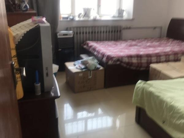 辽河东区1楼90平109万3室带2储藏简装东户