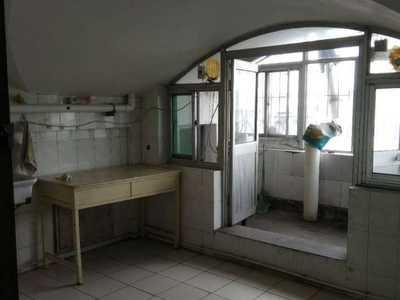 碧水园7楼80平三室一厅一卫中装床沙发茶几油烟机炉具热水器冰箱8500