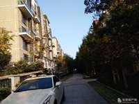 东城春天花园复式5-6层面积278平 有车位和地下室245万证 3年 毛坯