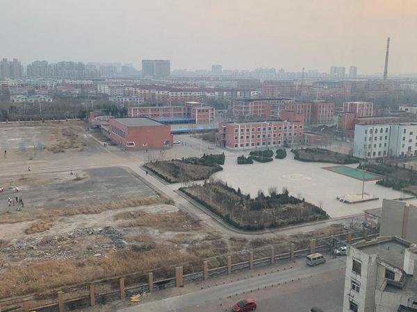 东城上城悦府 99平带车位地下室 72万房产证为满两年,中间户