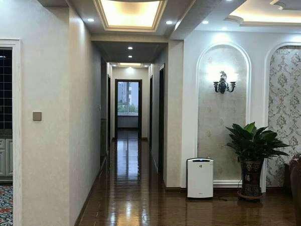 明月小区;2楼;共5层98平3室2厅;急售