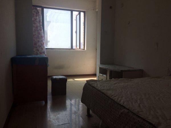 市政府附近开发区内京华观邸小区电梯房出售