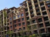 万达赫府5楼146平,3室2厅2卫,毛坯带车位,改合同,135万,位置好