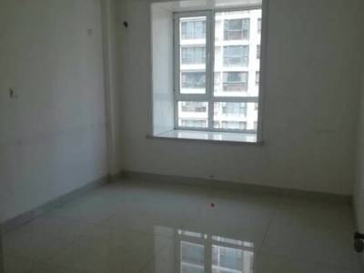 新区华都世纪城五楼130平三室精装修带南向大车库130万急售紧邻区一中