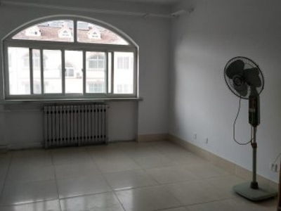 东城玉苑小区八村5楼带阁楼185平5室2厅中装带地下室69万