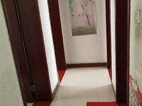 东城胜宏美居一楼105平三室二厅带地下室中装售98万