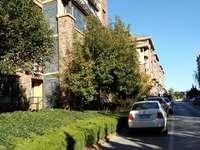 东城原香小镇9楼 面积90平 70万 三室两厅中装