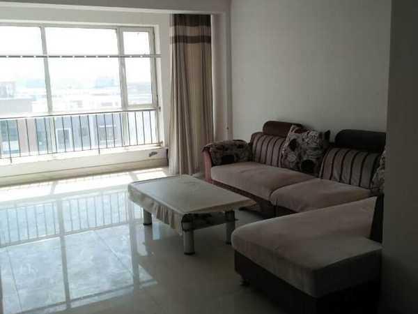 荟丰苑11层 110平 三室两厅一卫 沙发 茶几平板电视床3张 空调冰箱洗衣机