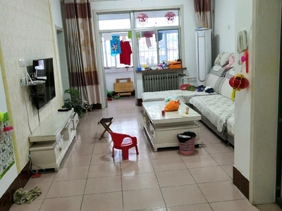 海河北区5楼东87平3室2厅中装带地下室17平急售70万