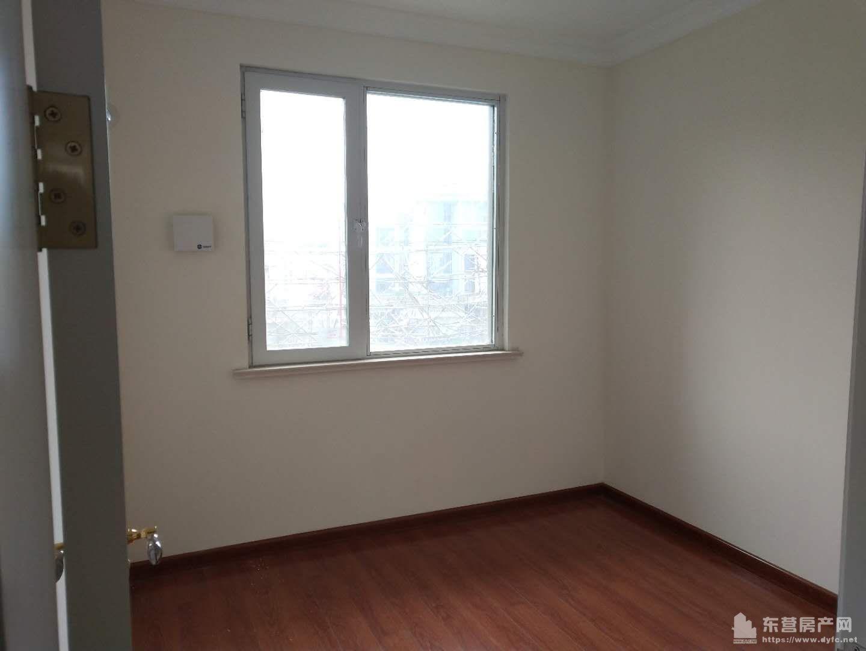 中南世纪锦城3楼125平带车位三室两厅一卫,精装未住现房