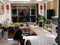 东城中央豪庭18楼127平精装房三室两厅100万