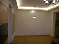 东城中南世纪锦城简装三室两厅带简单家具年租16000元