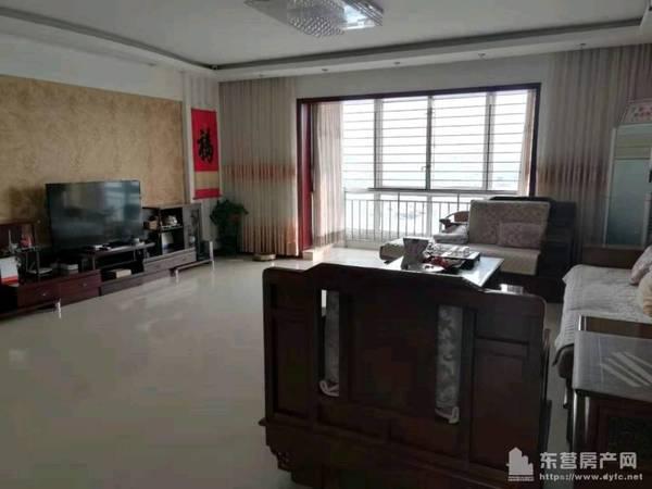 出售安和南区4室2厅2卫196平米196万住宅