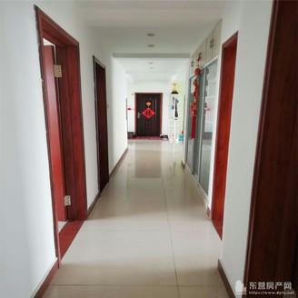 安兴北区 210平5 6楼带大车库 5室2厅3卫 172万