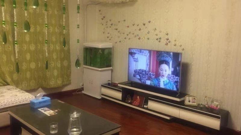 胜宏辰轩1楼140平车库拎包入住年租2万
