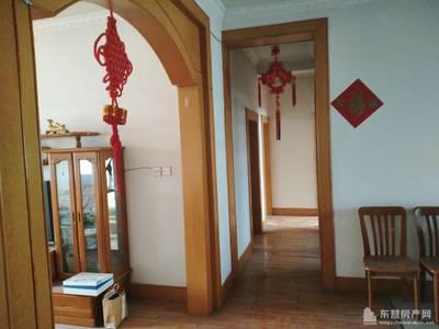 蓝天小区5楼 105平三室二厅 简装 冰箱9500元/年