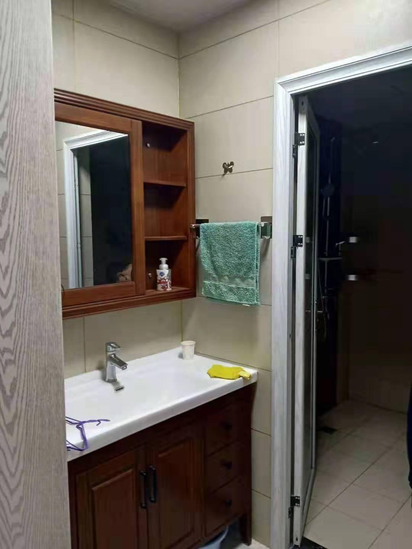 整租 万达华府15楼110平3室 精装带全套家具家电