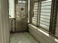 盛世嘉苑1楼128平米带地下室13平米简装位置好