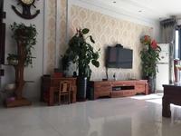 东城中央豪庭15楼123平简装3室2厅带车位地下室20平证售98万