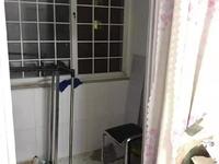 东城胜宏美居一楼83平2室2厅82万