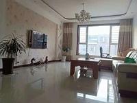 东城府前小区三村4楼64平2室中装带家具1万1现房出租