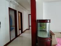 东城安宁北区一楼带车库117平三室两厅带家具空调年租2.2万