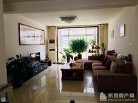 胜宏辰轩1楼159平带车库带地下室153万出售