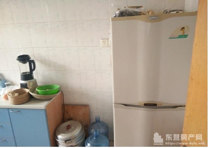 金水南区3楼85平3室带空调,等全部家具1.6万