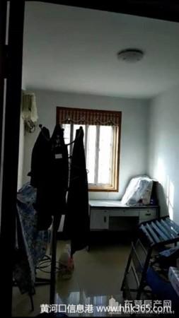 急售鲁班公寓5楼95平带车库58万