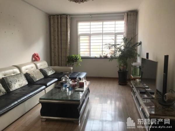 东城新新家园1楼100平3室2厅1卫阳面车库28平82万