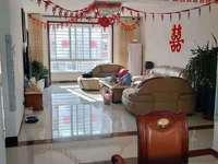 东城胜宏美居3楼166平4室2厅2卫带车库170万满五唯一