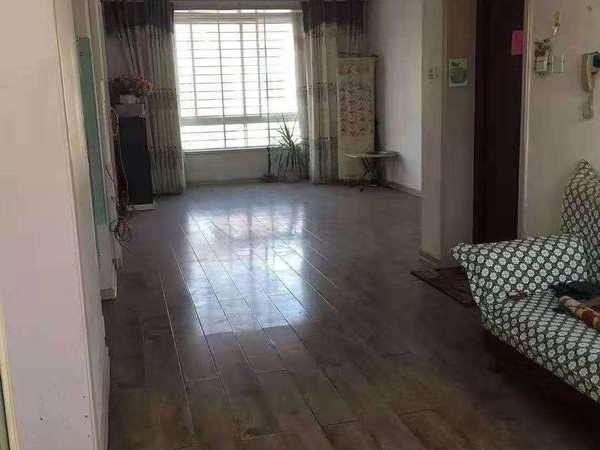 东城美居 5楼 面积122平 车库24平 90.5万 中装 三室两厅一卫